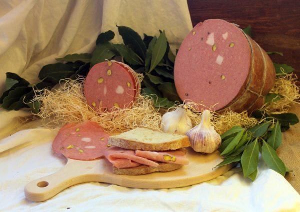 mortadella al pistacchio